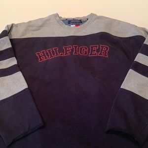 Hilfiger Spellout Sweatshirt 85 on the back Large